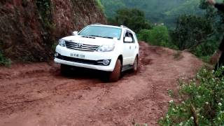 Fortuner struck on offroad part1