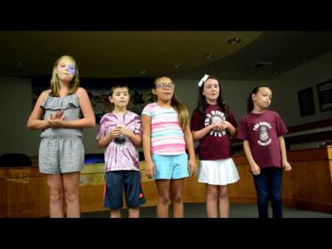 Two Rivers Elementary School Choir