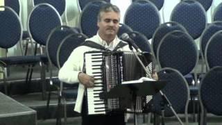 fr. Fanel - Plutim si noi din val in val acordeon