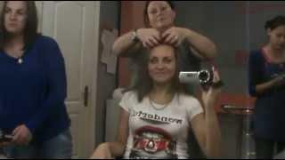 ХОЧЕШЬ?БЕСПЛАТНО!В САЛОНЕ:причёска,стрижка,косметолог,макияж,маникюр-педикюр.Я научу тебя этому!!!