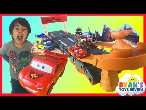 Disney Cars Lightning McQueen Toys Transforming Drift Race Track Takara Tomy