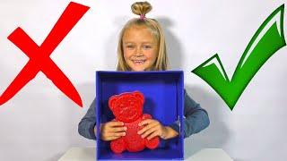 ЧЕЛЛЕНДЖ Что в Коробке Нужен ли Желейный Медведь в школу? What's in the Box Challenge