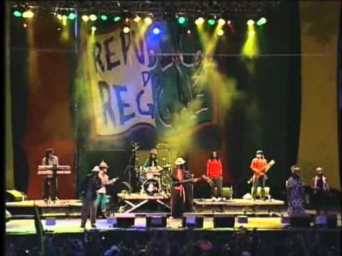 Gregory Isaacs - Live in Bahia Brazil (2004) Show completo