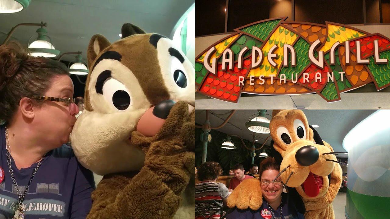 Disney World Vlog Garden Grill in Epcot - YouTube