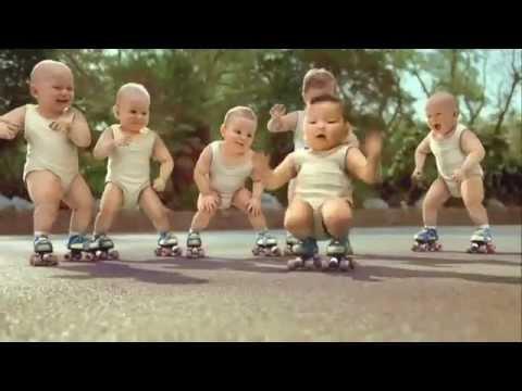 """""""Những đứa trẻ trượt patin"""" phá kỷ lục thế giới - YouTube.flv"""