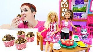 Барби и подружки готовят маффины с Машей капуки кануки