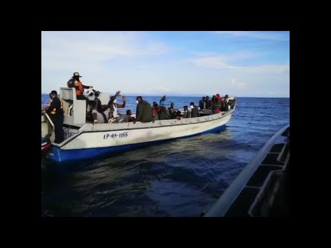 Colombian Navy rescues 94 migrants stranded at sea