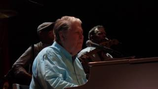 Watch Brian Wilson I Get Around video