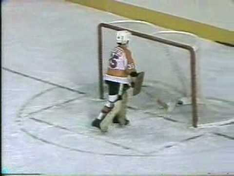 Quebec_Pee_Wee AA Hockey Final, HIGHLIGHTS-1977.wmv