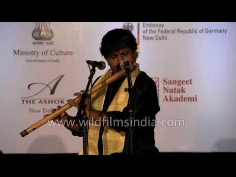 Indian flautist Ajay Prasanna performs live in Delhi