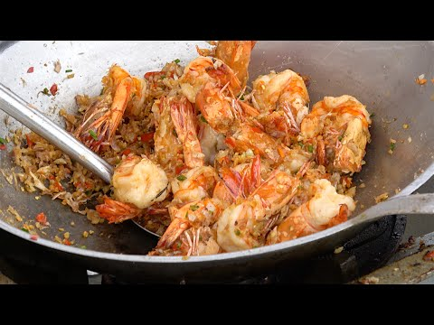 Garlic Pepper Shrimp King prawns, Crab fried rice, Soft shell crab | Street Food