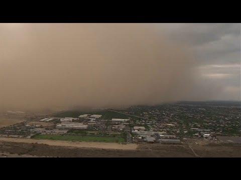 Haboob dust storm moving across Phoenix