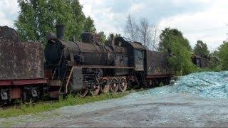 Старые паровозы(Это видео создано с помощью видеоредактора YouTube (http://www.youtube.com/editor) Старые паровозы перевозят для утилизации...., 2013-07-18T08:04:16.000Z)