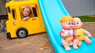 Stacy y la historia para niños sobre muñecas