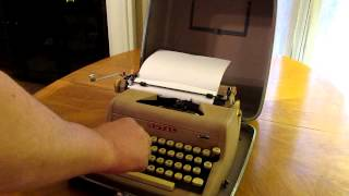 Vintage Collectibles - Royal Typewriter - Quiet De Luxe - YouTube Video