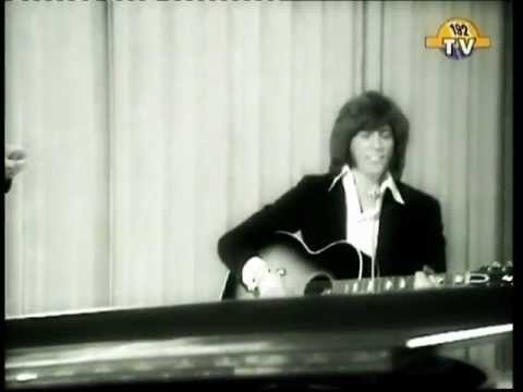 Bee Gees   Alone Again ( Very Rare Original Footage Probably Late 1970 )