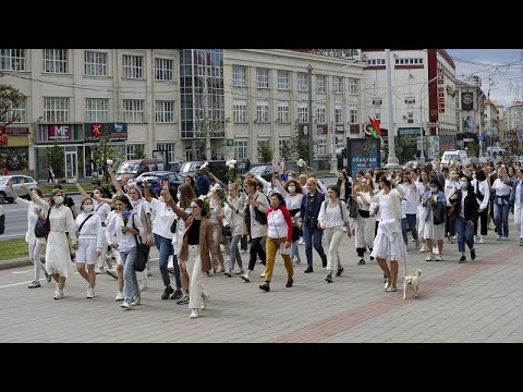 شاهد: مسيرة نسائية في مينسك ضدّ نتائج الانتخابات الرئاسية ولوكاشنكو…  - نشر قبل 2 ساعة