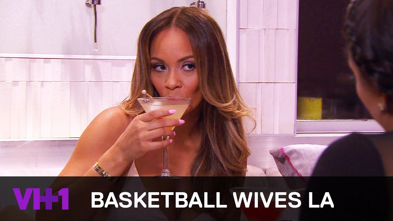 Basketball Wives La Shaunie Oneal Gossips With Evelyn Lozada