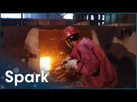 A Look Inside The Giant Blast Furnaces Of Chinese Industry | The Earth's Riches | Spark