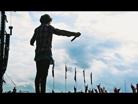 Bring Me The Horizon Insane Live Performance 2014
