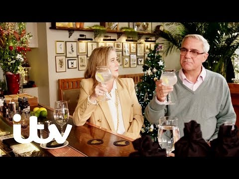 How to Spend It Well at Christmas With Phillip Schofield | Gogglebox's Steph & Dom's Gin Test | ITV