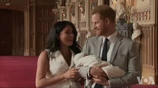 英国小王子首次与公众见面