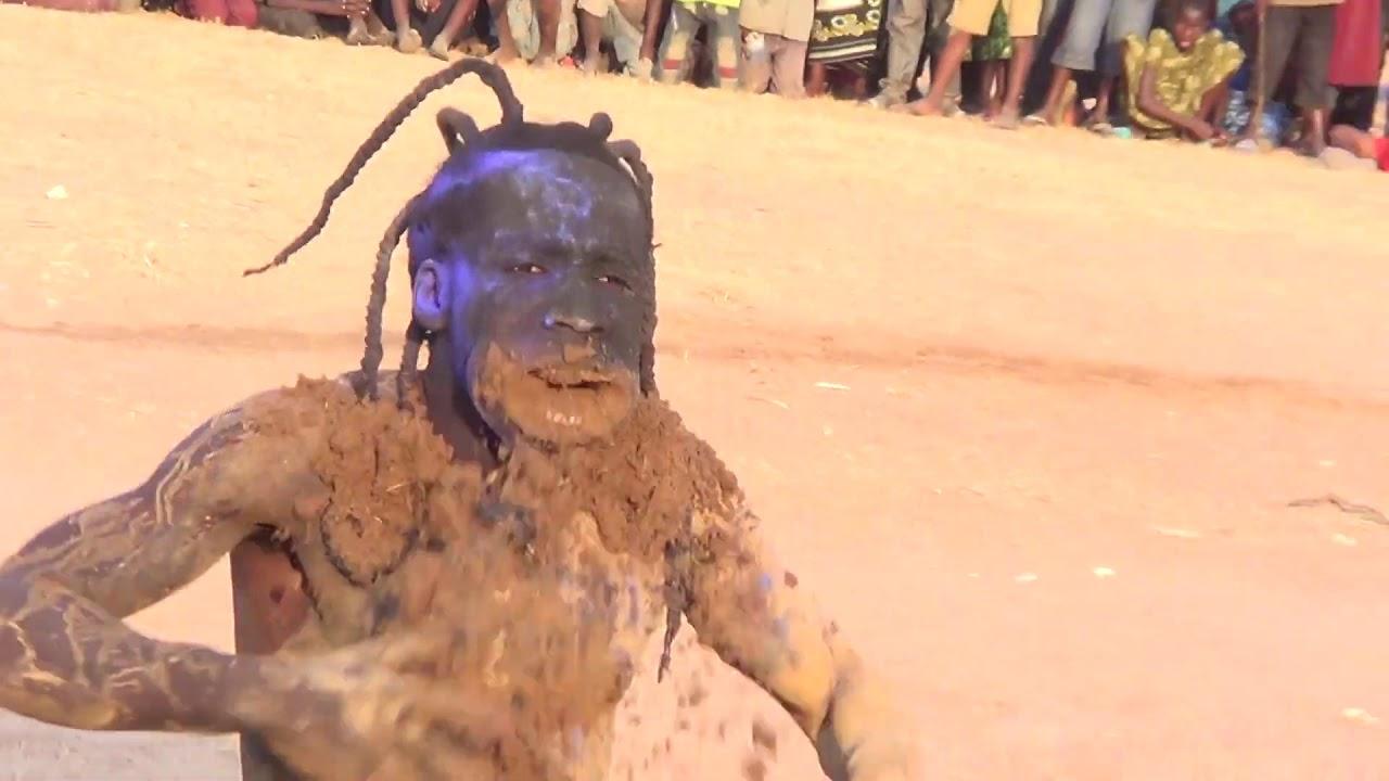 Download Bahati Bugalama Alivyo Wachanganya Mashabiki Wa Ngudu