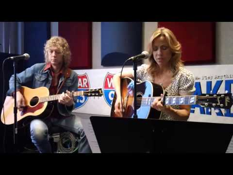 "Sheryl Crow - ""Waterproof Mascara"" Live @ 99.5 WGAR (10 May 2013)"