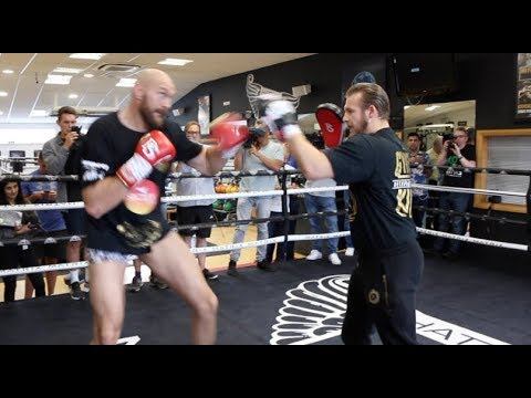WILDER WARNING?  - TYSON FURY (IN HIS PANTS) SHOWS HIS INCREDIBLE SPEED AS HE BATTERS THE PADS