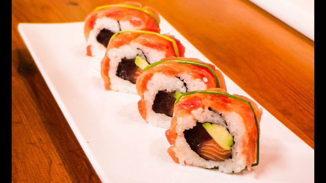 Salmon and tuna sushi roll royal sushi roll youtube forumfinder Gallery