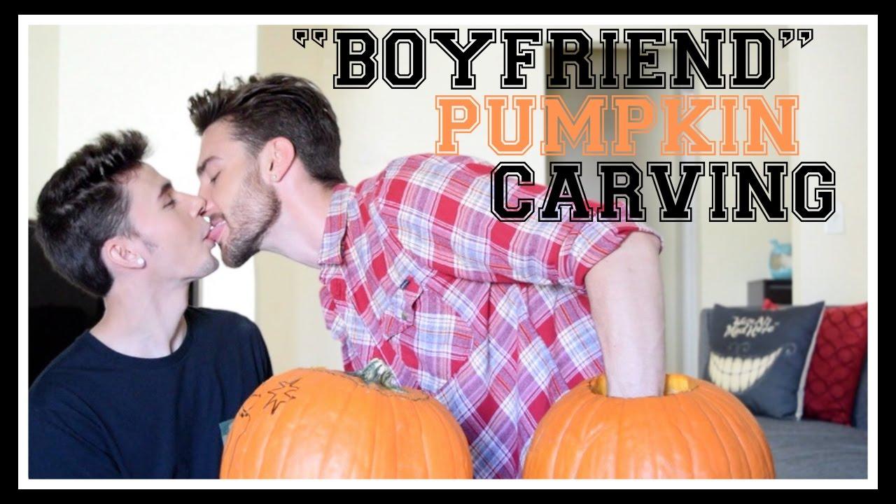 boyfriend-pumpkin-carving