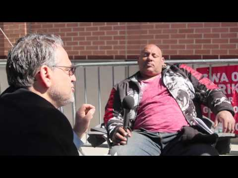 SEP 2016 US presidential candidate Jerry White on the Verizon picket line