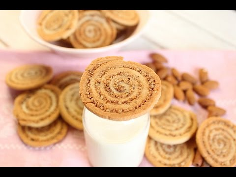 biscuits-spirales-aux-amandes-et-cannelle-/-almonds-and-cinnamon-roll-cookies-/