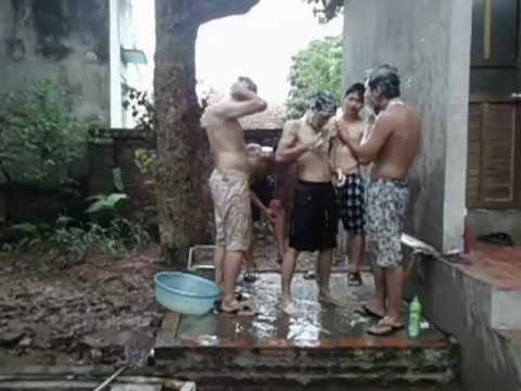 tắm tập thể :)).AVI