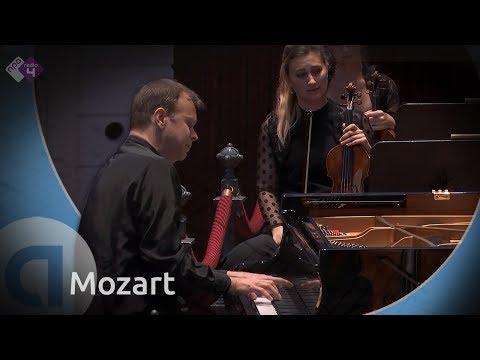 Mozart: Piano Concerto no.12 - Stefan Vladar - Live Classical Music HD
