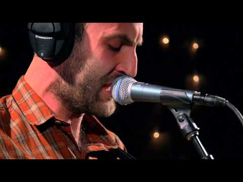 Viet Cong - Sihouettes (Live on KEXP)