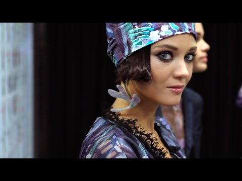 Giorgio Armani – 2017 Spring Summer – Women's Fashion Show Backstage