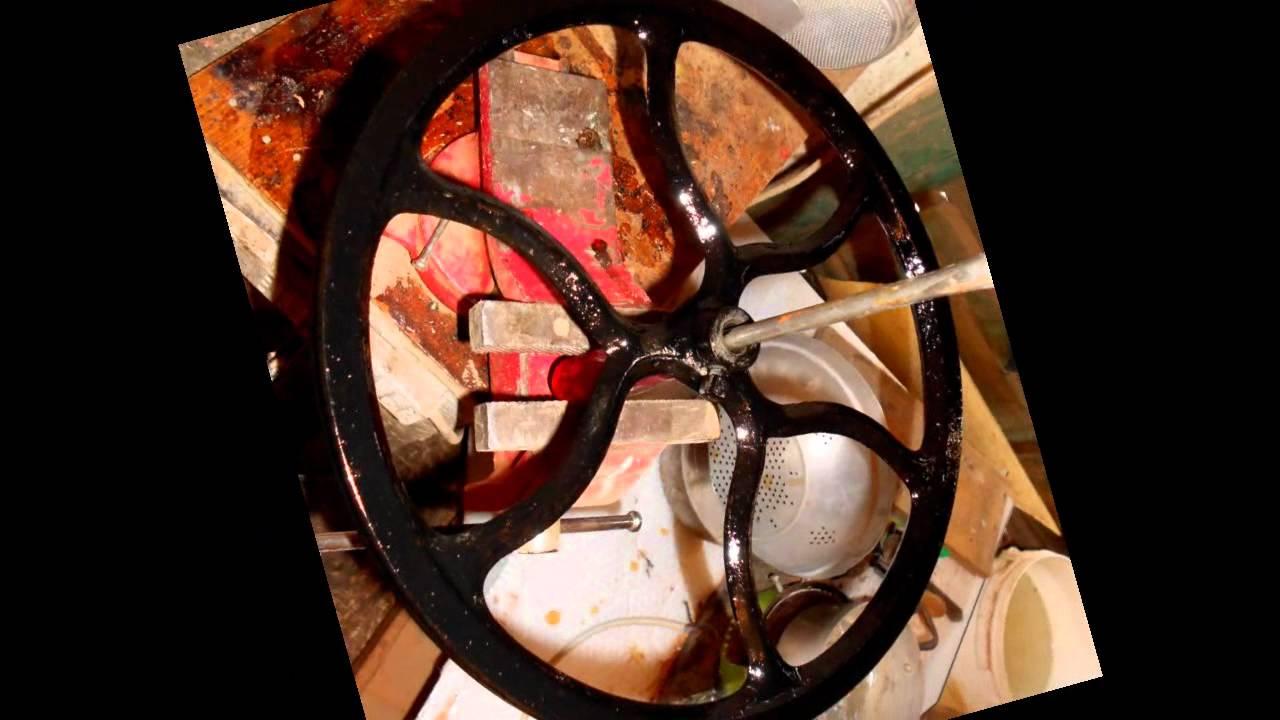 Restauro macchina da youtube for Victoria macchina da cucire