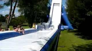 Alpenslider - Die größte aufblasbare Rutsche Hüpfburg der Welt im Hallertau Park Freizeitpark