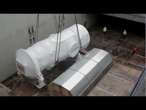 M/V Palmerton loading power generating equipment in Hamburg