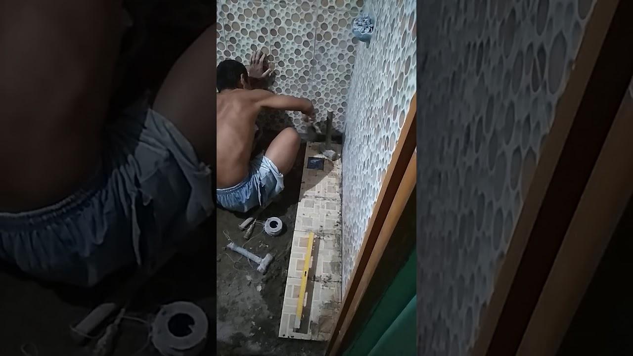 Cara pasang keramik lantai kamar mandi versi belajar ayah yasid rumah sendiri. - YouTube