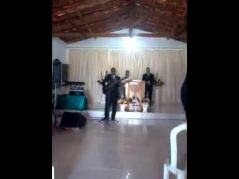 Cantando na Assembleia de Deus Segui a Paz de Lageado