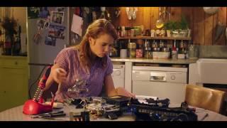 Fred et Claire : quand Claire se lance dans la réparation...