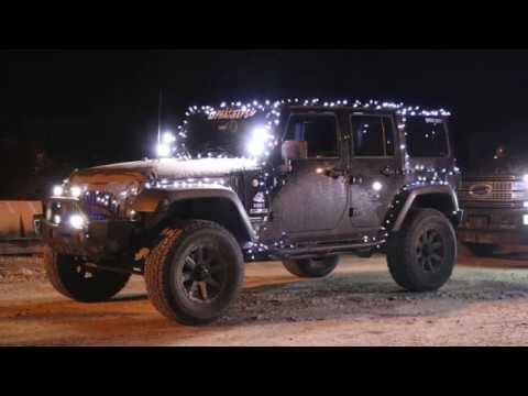 Christmas Jeep.Installing Christmas Lights On The Jeep Jeep Meet And Offroading