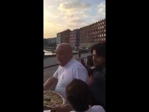 Naples. Pizza for Pope Francis