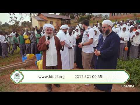 Abdulmetin Balkanlıoğlu Hocaefendi Ve Değerli Hocalarımız Ile Uganda'da Su Kuyusu Açılışı