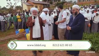 Gambar cover Abdulmetin Balkanlıoğlu Hocaefendi ve değerli hocalarımız ile Uganda'da Su Kuyusu açılışı