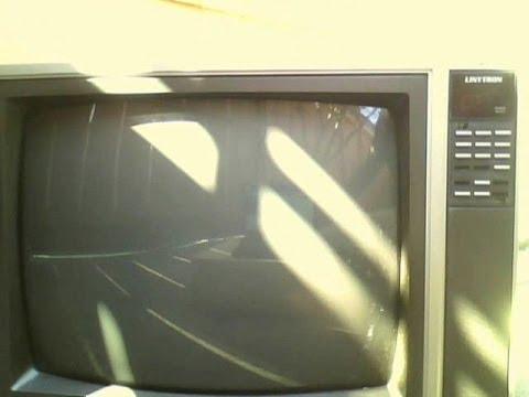 The 1980's Sharp Linytron CRT TV Set Works! - YouTube