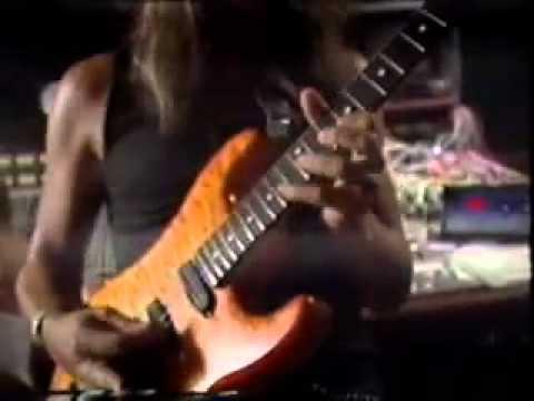 George Lynch Destroying the Guitar