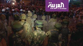 المتظاهرون في لبنان يتقدمون صوب القصر الرئاسي والجيش يتأهب